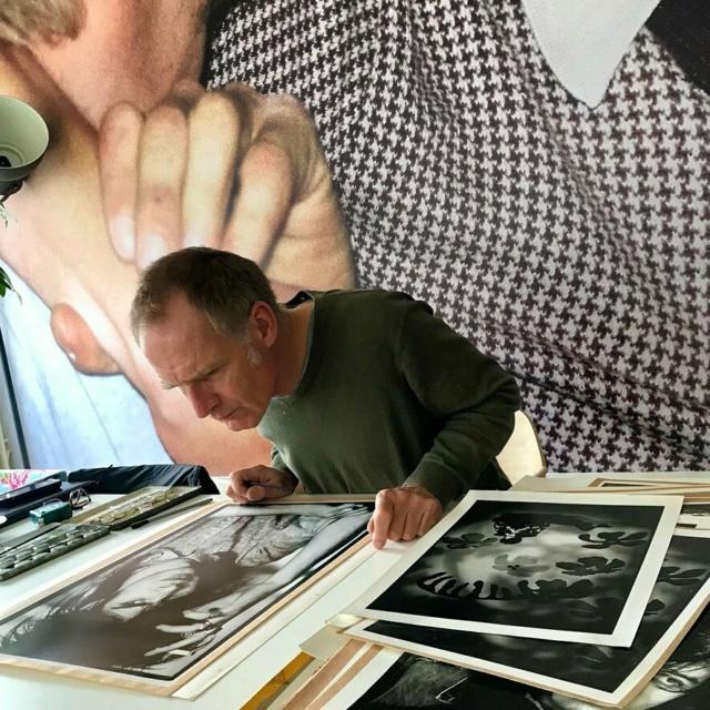 Fotograaf @corbino.nl verkoopt bij #flowerdalesagency een aantal unieke door hem zelf gemaakte prints. Er zijn er maar een paar maar deze zijn wel erg mooi. Alle beschikbare afdrukken staan op mijn website #linkinbio #unica #illfordpaper #collectorsitems #photography #nickcave #opisop